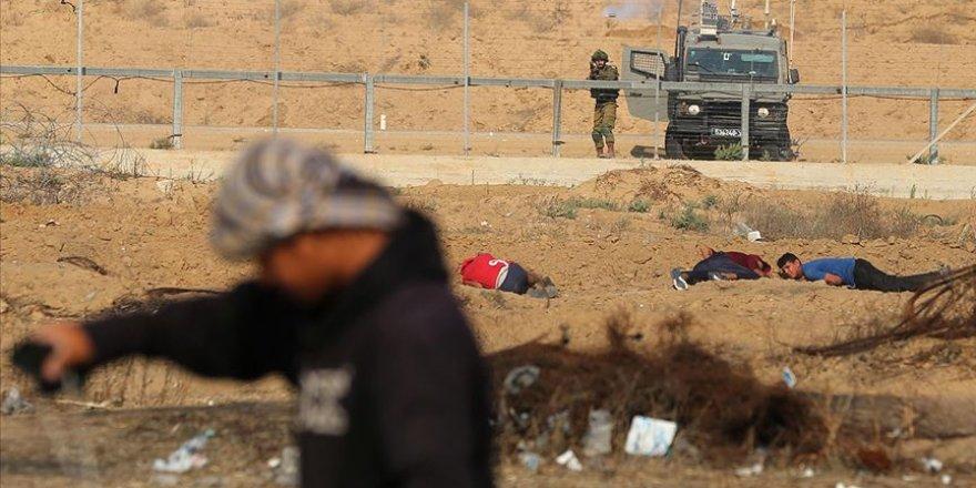 İsrail ordusu Gazze'de bir Filistinliyi yaraladı
