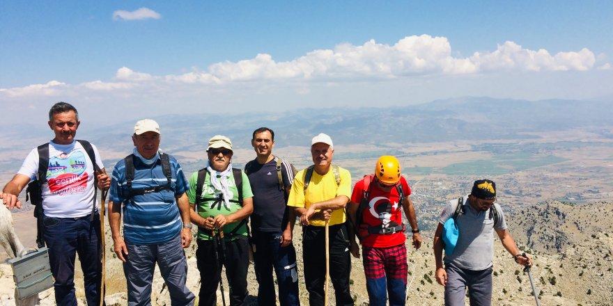 Seydişehirli dağcılar 30 Ağustos zaferi için tırmandı