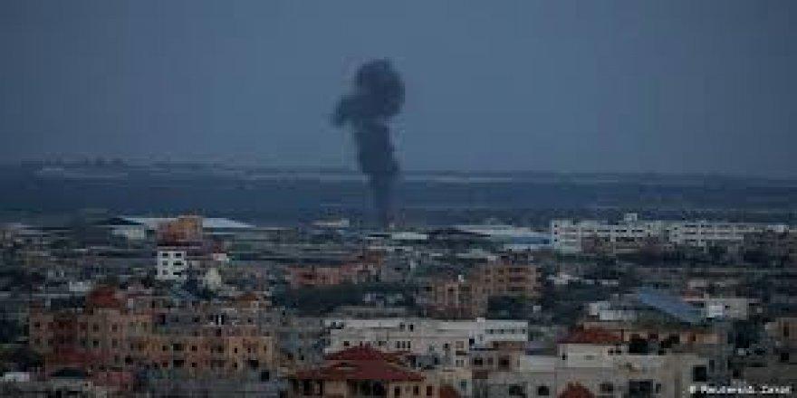 WAFA: İsrail, Gazze Şeridi'nde bir bölgeyi vurdu