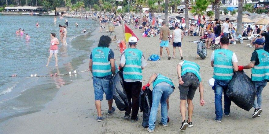 Sahil ve koylar denetimli serbestlik hükümlülerince temizlendi