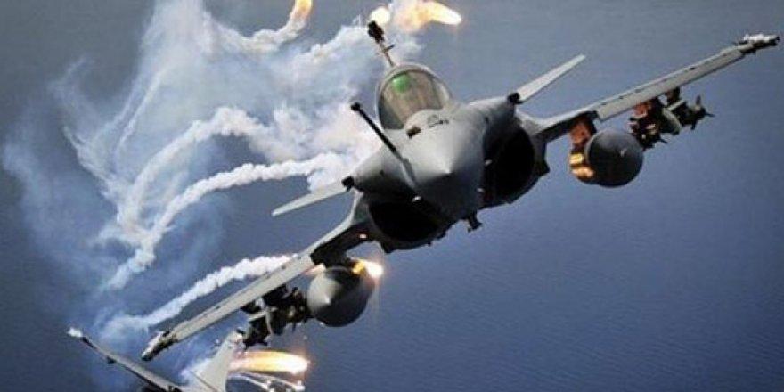 Yemen'de hava saldırısı! En az 30 asker hayatını kaybetti