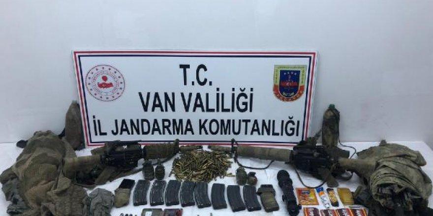 Van'da 1 PKK'lı ölü, 1 PKK'lı sağ ele geçirildi