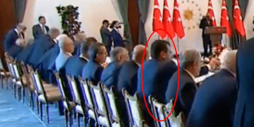 CHP'li Belediye başkanlarından büyük saygısızlık