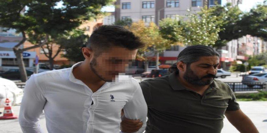 Konya'da tüfekle market soyan 4 şüpheliden3'ü yakalandı, biri askerde çıktı