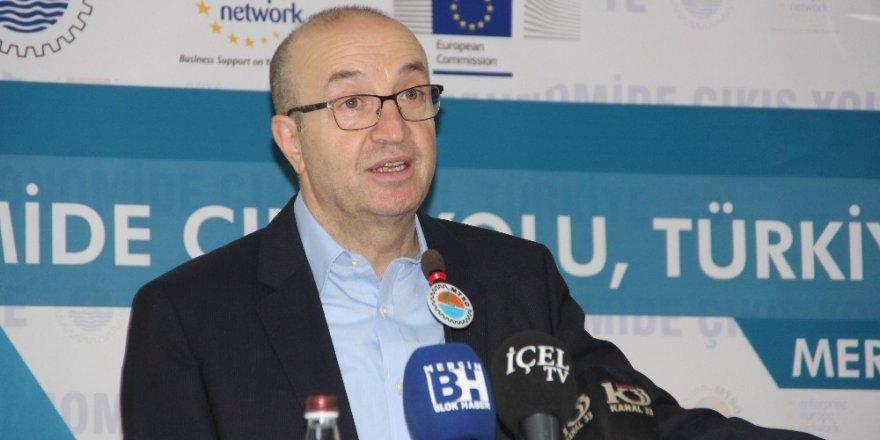 """Ekonomist Uzunoğlu: """"Artık büyümeyen bir dünya ekonomisi var"""""""