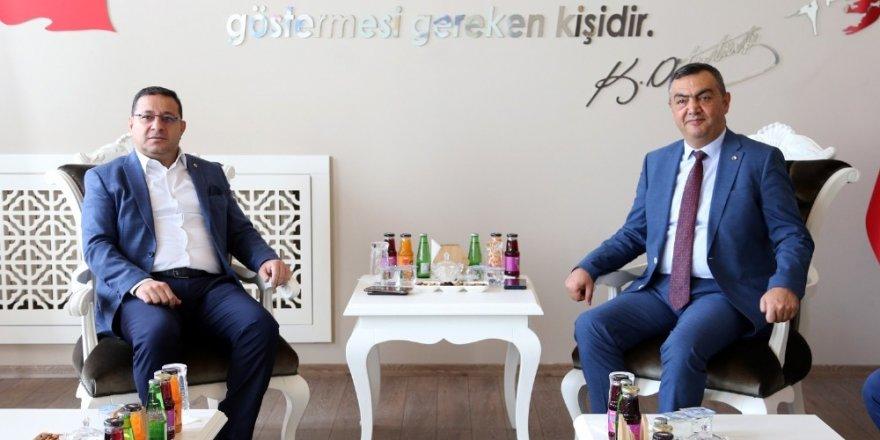 KAYSO Başkanı Büyüksimitci, Sivas Oda ve Borsa Ziyaretlerinde Bulundu