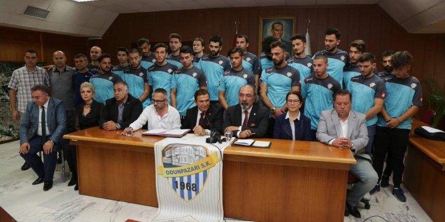 Odunpazarıspor Kulübünde imzalar atıldı