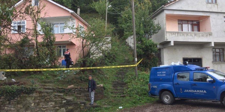Kastamonu'da 3 ayrı eve giren hırsızı jandarma yakaladı