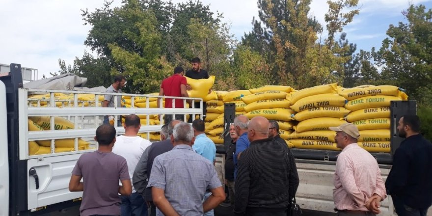Tuncelili çiftçiye , 56 ton tohum dağıtıldı