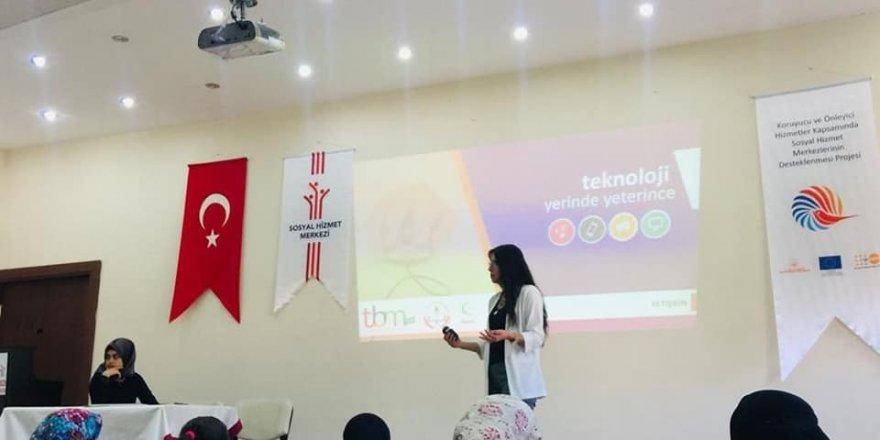 Türk ve Suriyeli ailelere okul ve aile eğitimi