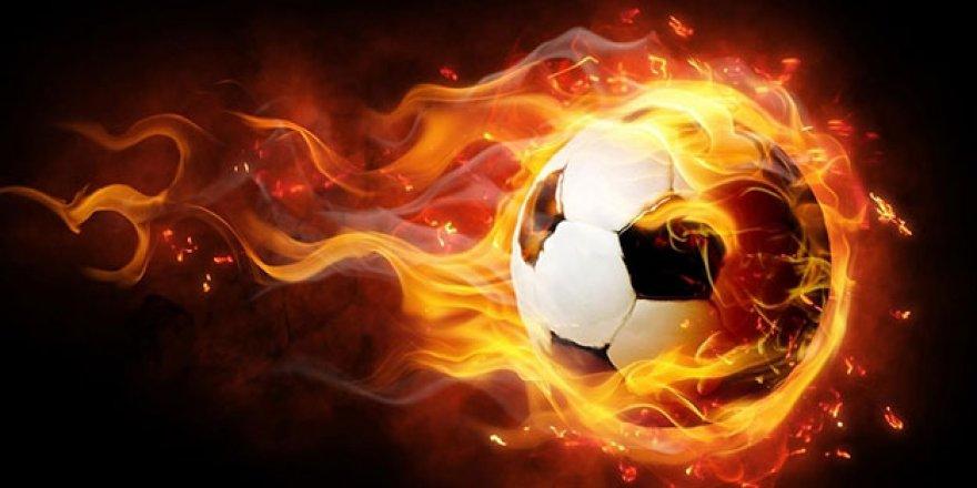 Milli yıldız futbolu bıraktığını duyurdu!