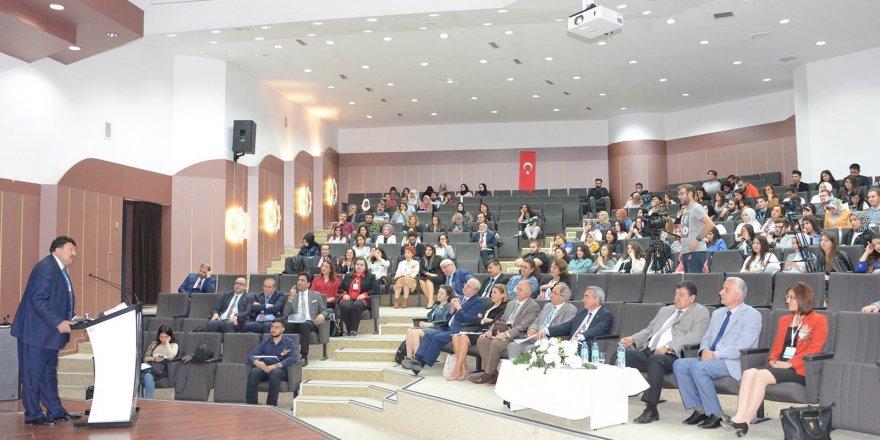 """Konya'da """"Yaşamın Anahtarı: Periyodik Tablo Kongresi"""" başladı"""