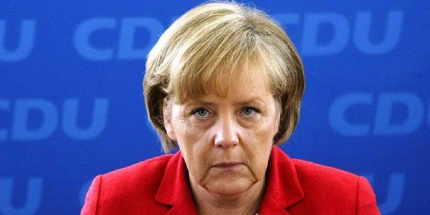 Angela Merkel'den Suriye uyarısı: ABD çekilirse Rusya güçlenir