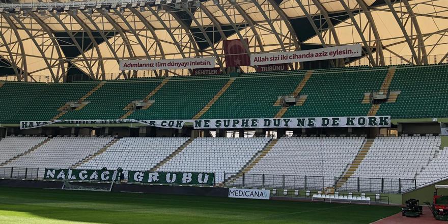 Konyaspor'un şehitler tribünü maça hazır
