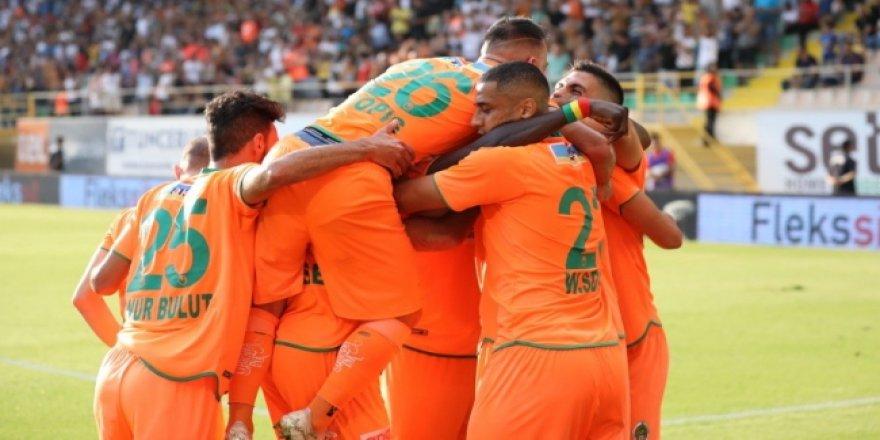 7 gollü maçta kazanan Alanyaspor