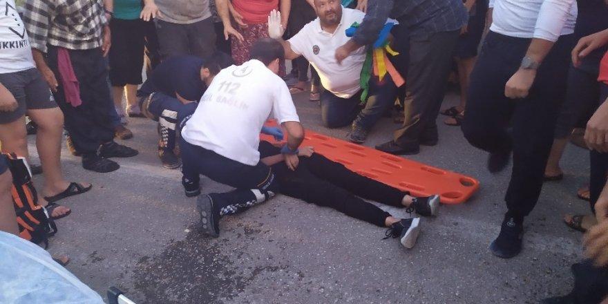 Karşıdan karşıya geçmeye çalışan çocuğa otomobil çarptı