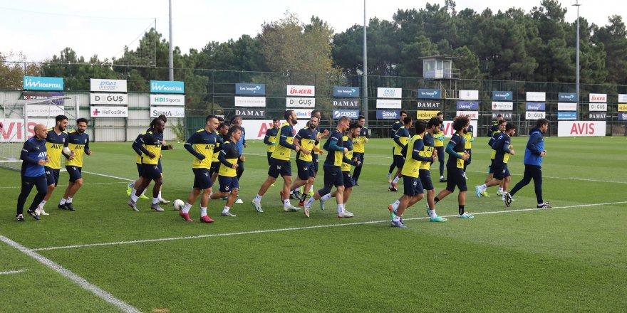 Fenerbahçe'de Konyaspor mesaisi sürüyor