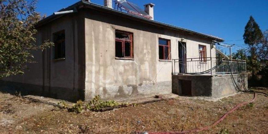 Konya'da yanan evdeki kişi öldü