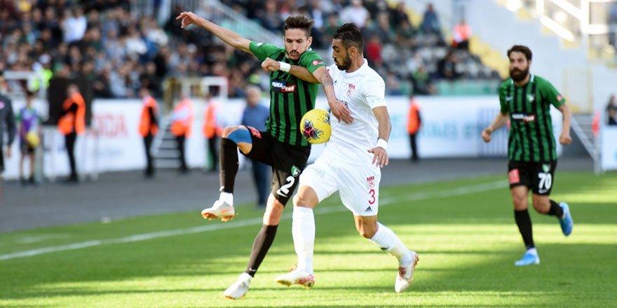 Sivasspor, geriye düştüğü 3 maçta puan çıkarmayı başardı