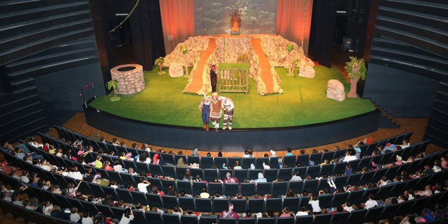 Şehir Tiyatrosu 6 oyunla izleyicinin karşısına çıkıyor