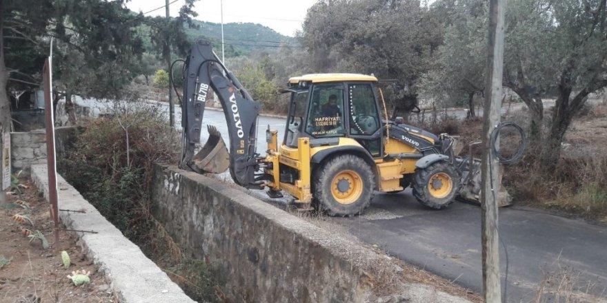Muğla Büyükşehir Belediyesi 13 ilçede 149 bin metre dere temizliği yaptı