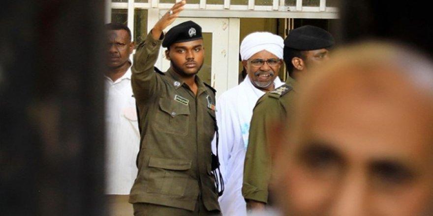 Sudan'da Beşir'in partisinden hükümete tehdit