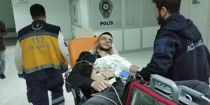 Bıçaklı saldırıya uğrayan genç ağır yaralandı