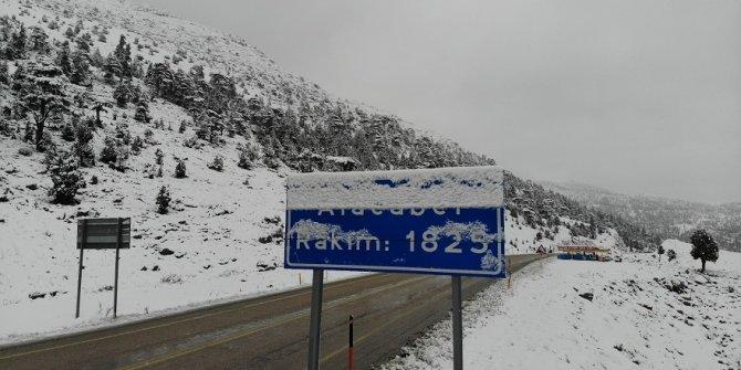 Alacabel mevkisinde kar yağışı etkili oldu