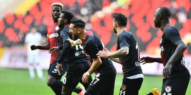 Gaziantep FK ikinci yarıda attığı gollerle kazandı