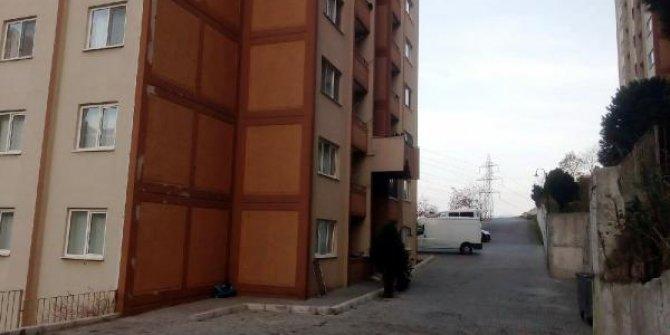 2 yaşındaki Helin, 4'üncü kattan düşüp, hayatını kaybetti