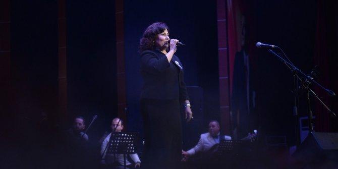 Mersin'de Gülşen Kutlu konseri