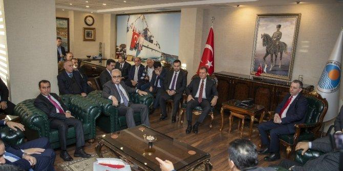Seçer, Iraklı iş insanlarını Mersin'e yatırım yapmaya davet etti