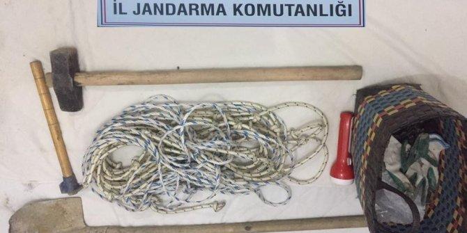 Söke'de kaçak kazı yapan 7 şüpheli suçüstü yakalandı