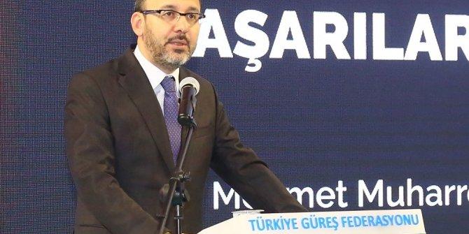 Bakan Kasapoğlu, Türkiye Büyükler Serbest Güreş Şampiyonası açılış törenine katıldı