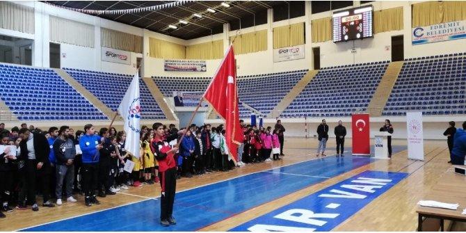 Analig Basketbol Grubu müsabakaları Van'da başladı