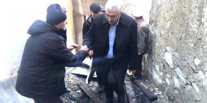 AK Parti  İl Başkanı Öz, Dikyar Mahalle sakinlerine geçmiş olsun ziyaretinde bulundu