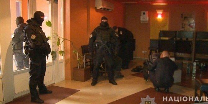 Ukrayna polisinden 715 ekiple dev kumar operasyonu