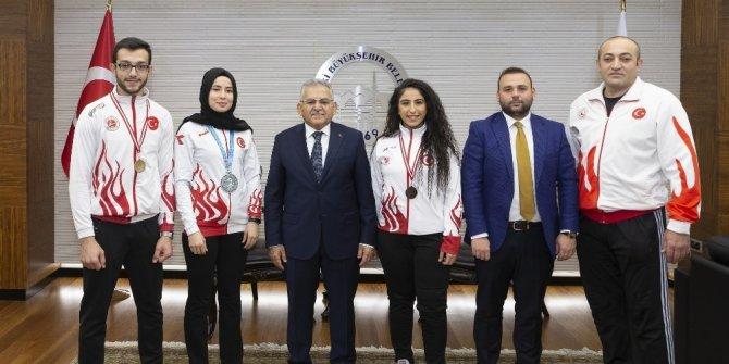 Şampiyonlar Büyükşehir'de