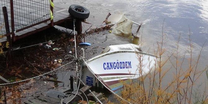 Lodos tekneleri batırdı