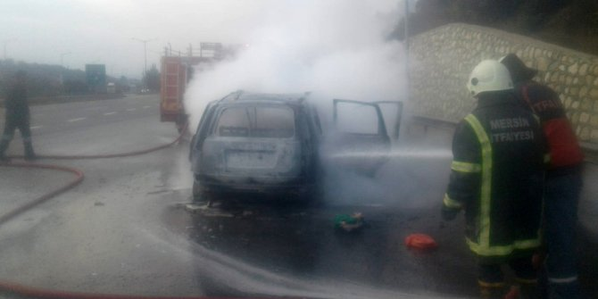 Otoyolda yanan araç hurdaya döndü