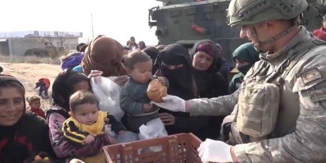 Resulayn'da gıda yardımı devam ediyor