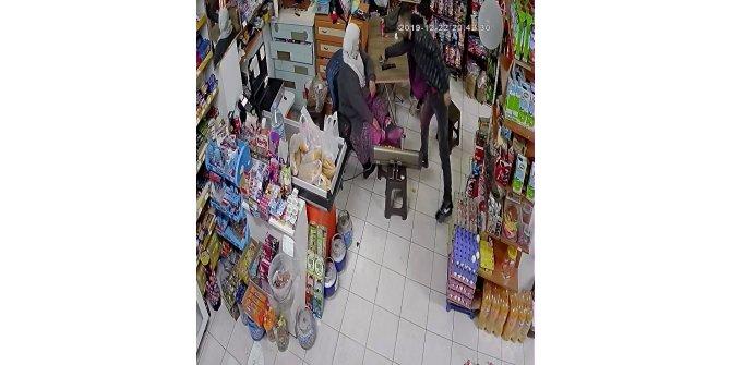 Sultangazi'de göz göre göre hırsızlık kameralara yansıdı