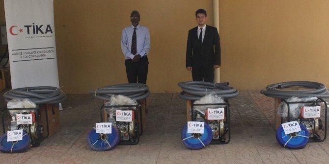 TİKA'dan, Cibuti'de su baskınlarından etkilenen okullara destek