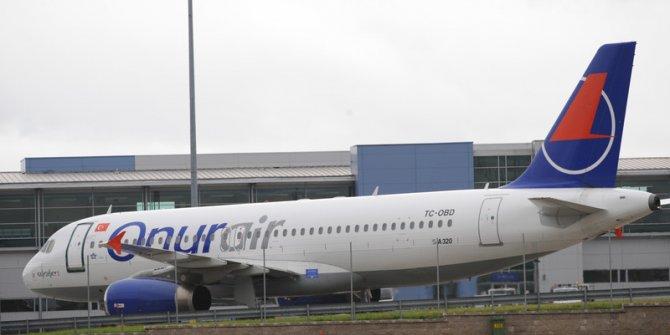 Almanya'da yolcu uçağı pistten çıktı