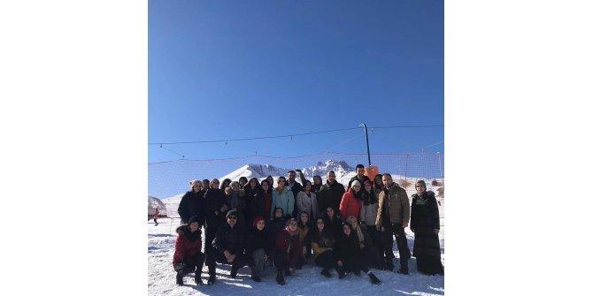 Erciyes Kamp Eğitim Merkezi Gençleri Ağırlamaya Devam Ediyor