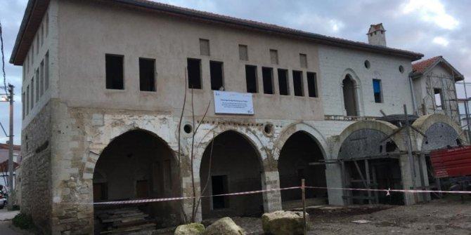 Çeşme'deki Osmanağa Konağında restorasyon yeniden başladı