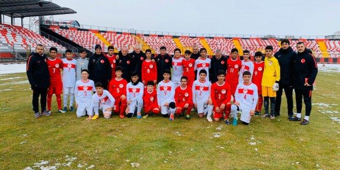 Yeni Malatyaspor'dan 14 yaş altı milli takım seçmelerine 11 futbolcu