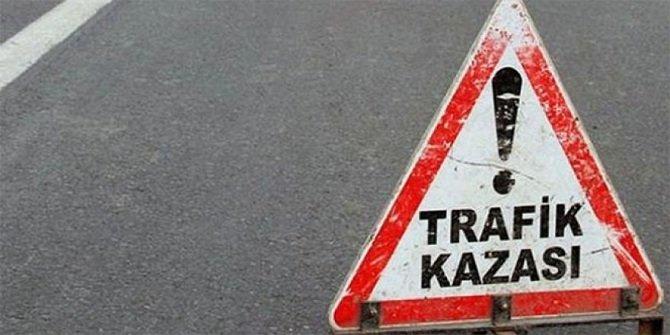 Karayolu işçileri trafik kazası yaptı: 1 ölü, 2 yaralı