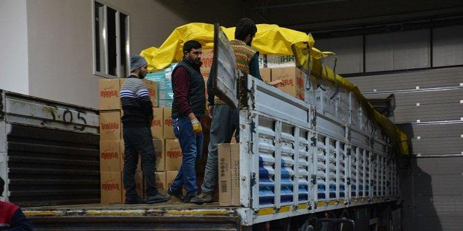 Konya İHH'dan İdlib kırsalına 4 TIR insani yardım