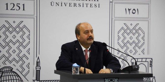 """Prof. Dr. Özkol: """"Yetişmiş insan gücünün geliştirilmesi gerekiyor"""""""